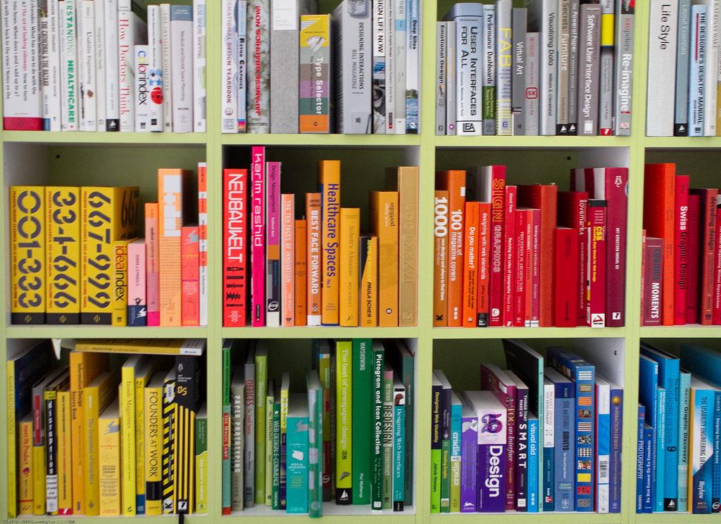 Почему результат тестирования скорости диска в ноутбуке может быть лучше, чем у промышленного сервера в облаке? bookshelf
